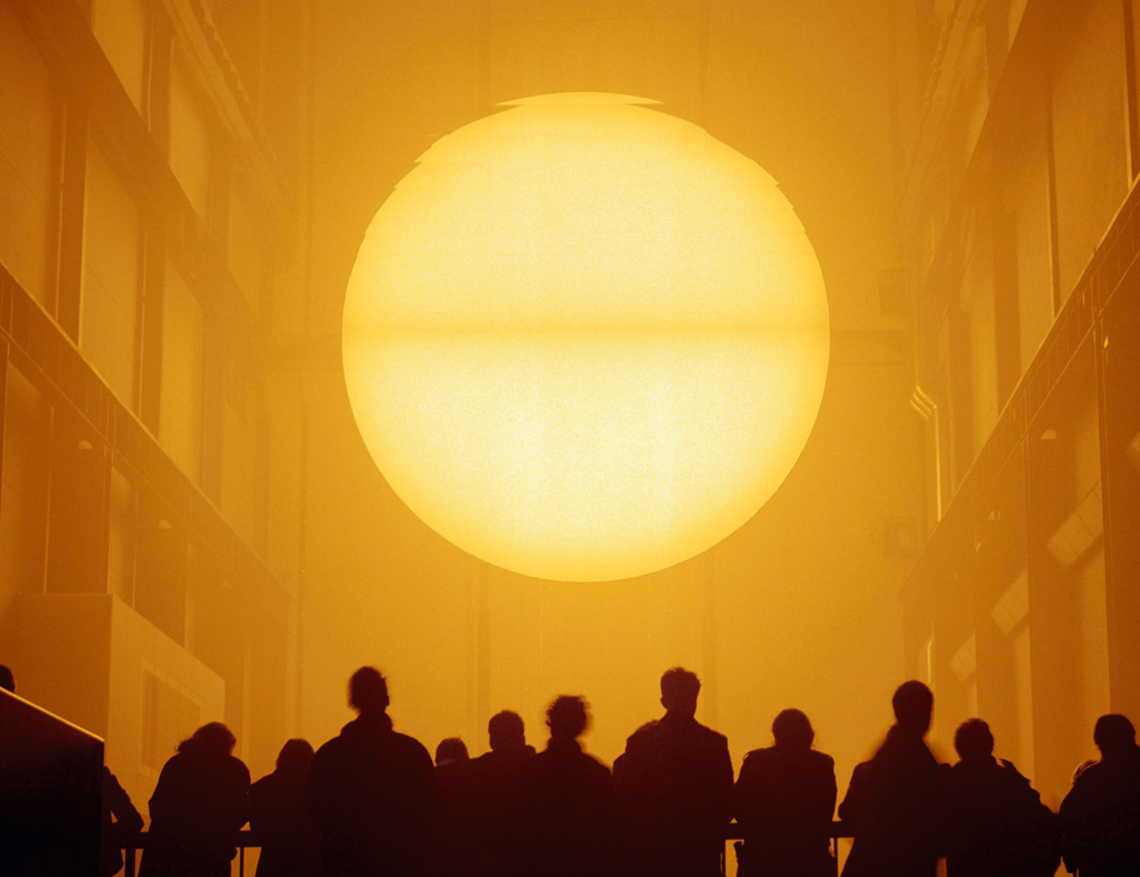 "Installation ""The wheather project"" by Olafur Eliasson in Tate Modern."